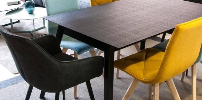 Mesas de comedor con sillas diferentes