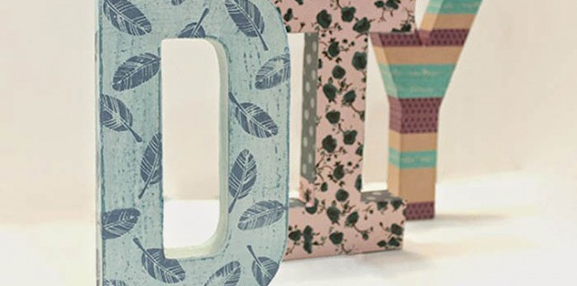 como hacer letras de carton decorativas, diy, letras decorativas