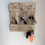 colgador de llaves de madera